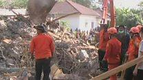 ผู้เสียชีวิตจากแผ่นดินไหวที่อาเจะห์พุ่งเกือบ 100 รายแล้ว