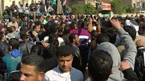 مصر: أهالي ضحايا التفجير يحتشدون أمام الكنيسة البطرسية