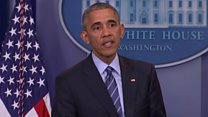 Obama pauses speech to help reporter