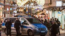Warga Berlin tetap berkunjung ke pasar Natal