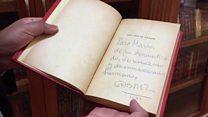Entra a la biblioteca personal de Mario Vargas Llosa