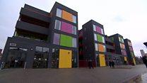 خانه های خوش آب و رنگ پیش ساخته؛راه حلی سریع برای کمبود مسکن در بریتانیا