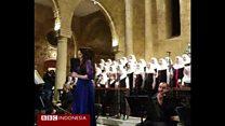 Kur Natal para pelajar Muslim Lebanon di gereja