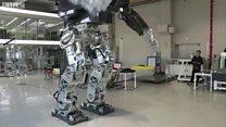 机器战警设计者的真实世界机器人
