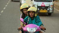 الهند: دراجات نارية أجرة تقودها امرأة