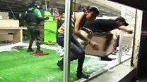 У Мексиці спалахнули масові грабежі магазинів