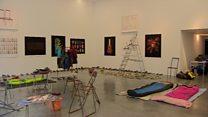 نمایشگاهی از آثار به جا مانده از پناهجویان اردوگاه کاله فرانسه در لندن