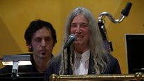 'Nervous' Smith forgets Dylan lyrics