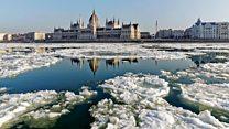 Los enormes bloques de hielo que tienen al Danubio paralizado