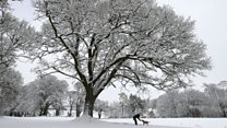 Heavy snow hits large parts of UK