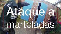 Vídeo mostra suspeito atacando policiais com martelo na Inglaterra