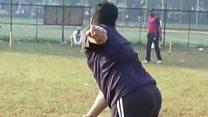 क्रिकेट में गेंदबाज़ी कितनी मुश्किल?