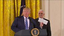 Трамп пообещал хранить письмо от Обамы