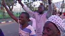 احتفالات بتغيير رئيس غامبيا