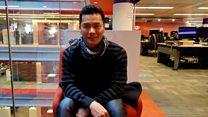 视频:香港艺人吕良伟向BBC读者拜年