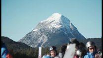 オーストリアで難民にスキーレッスン 文化共有の取り組み