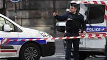Police respond to Louvre attack