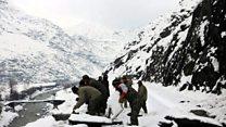 'قدرتی آفات سے نمٹنے کے ادارے ابھی تک چترال میں جائے وقوع تک نہیں پہنچے'