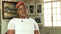 Thandiswa Mazwai chante contre l'apartheid