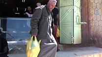 الصليب الأحمر ينفذ مشروع الخبز المجاني للأسر الفقيرة في تعز