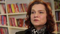"""""""Відчиніть, поліція!"""": як за мить змінилось життя турецької письменниці"""