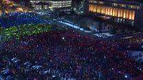Яскравий протест із телефонами у Бухаресті