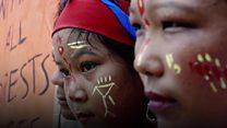 কেন হারিয়ে যায় ভিন্ন জাতি-গোষ্ঠীর মানুষের ভাষা?