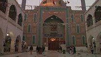 مقتل العشرات في تفجير ضريح صوفي في باكستان