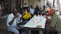 Je, kuna faida wanaume kukaa vijiweni Tanzania?