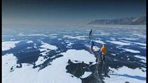 ロシア・バイカル湖で耐久レース スケートと自転車で氷上200キロ