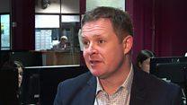 Jeremy Miles: Gwahardd athro yn 'warthus'