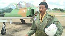 Umugore utwara indege z'intambara muri Zambia