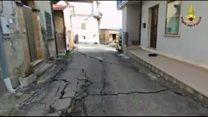 Итальянская деревня уходит под землю