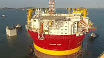 Huge oil rig starts China to UK journey