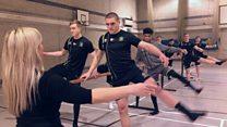 Los jugadores de rugby que toman clases de ballet para fortalecerse