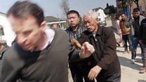 นักข่าวบีบีซีในจีนถูกบังคับเซ็นคำสารภาพฐานทำข่าวอย่างผิดกฎหมาย