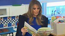 Меланія Трамп читає дітям у лікарні
