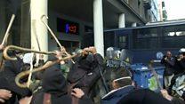 Грецькі фермери кинулись з ціпками на поліцію