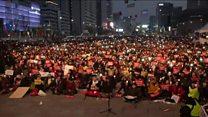 韩国总统遭罢免 首尔街头大型示威抗议