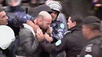 غضب فلسطيني من قمع الأجهزة الأمنية للمتظاهرين