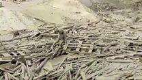 Mulher emerge da lama e consegue se salvar em meio a deslizamento no Peru