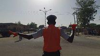 """""""Майкл Джексон"""" регулирует дорожное движение в Нигерии"""