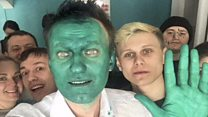 Russian politician hit with green liquid