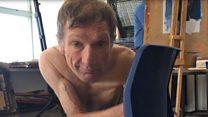 El hombre con parálisis cerebral que posa desnudo para artistas