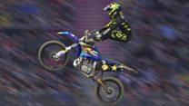 Stupendous stunts on motorbikes!