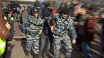 На мітинги протесту в Росії вийшло тисячі людей