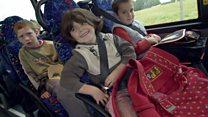 في Xtra English اليوم نحاول فهم القواعد rules المتعلقة بأحزمة الأمان seat belts والمقاعد المخصصة للأطفال في السيارات car seats