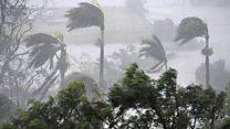 """El """"monstruoso"""" ciclón Debbie que obligó a evacuar 30.000 personas y afectó 10.000 viviendas en Australia"""