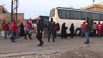 صدها شورشی حمص را ترک کردند