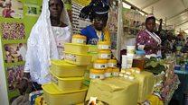 Un stand de beurre de karité destiné au marché africain